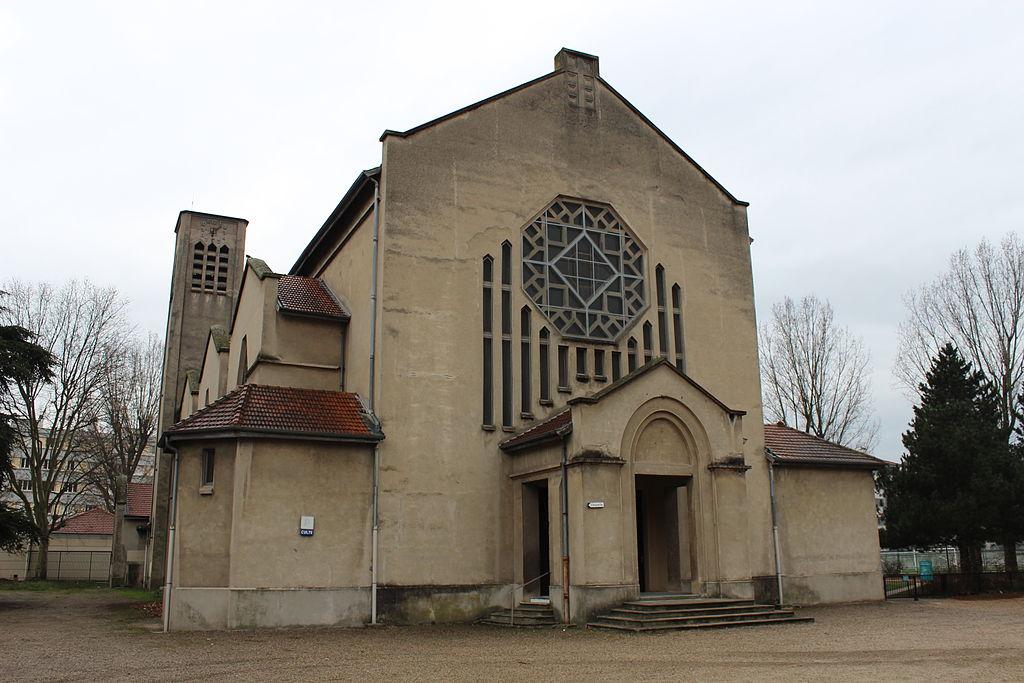 Eglise_de_la_Sainte-Famille_de_Villeurbanne