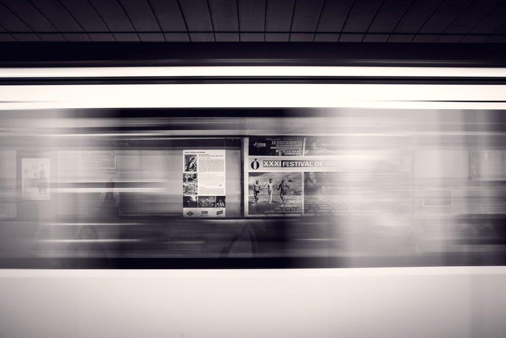 departure-platform-371218_1920