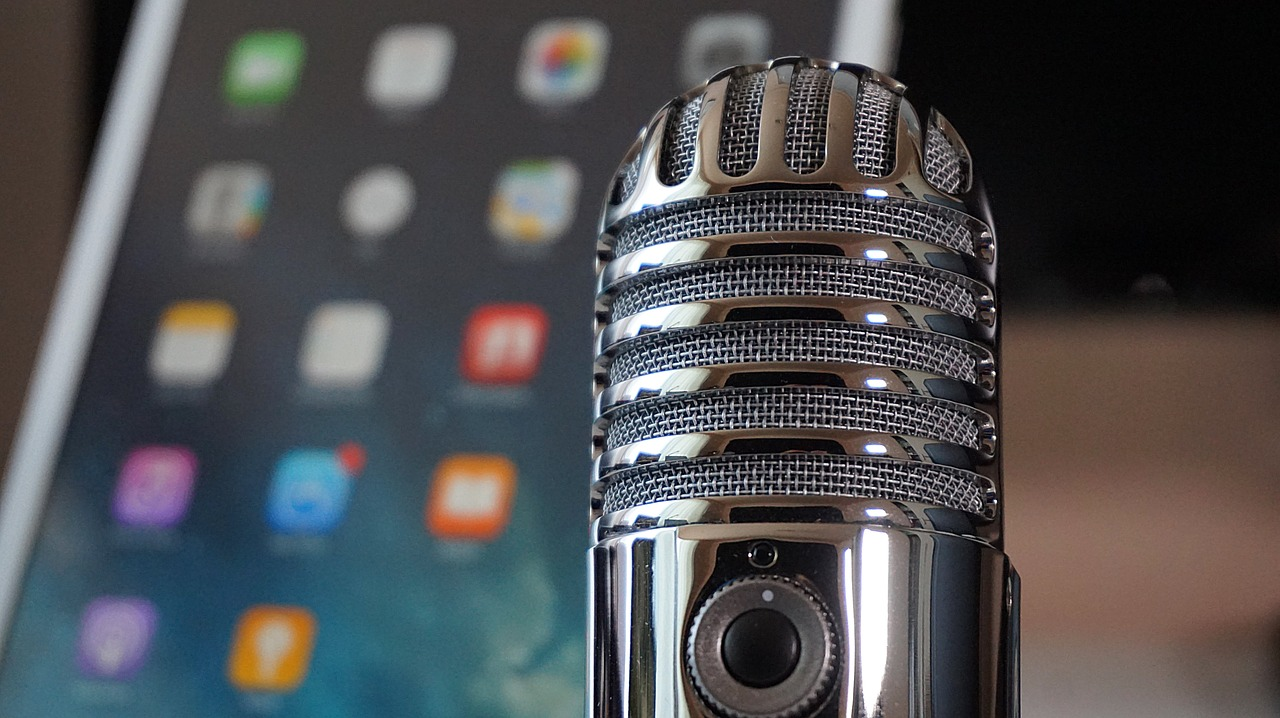microphone-2469295_1280